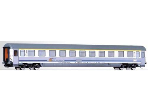 Reisezugwagen 1. Klasse Adnmu, in InterCity-Lackierung der PKP, Ep. VI