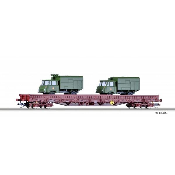 Niederbordwagen Res der DR, beladen mit zwei LKW Robur LO 1801 Kofferaufbau der NVA, Ep. IV