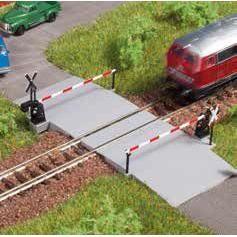 Beschrankter Bahnuebergang